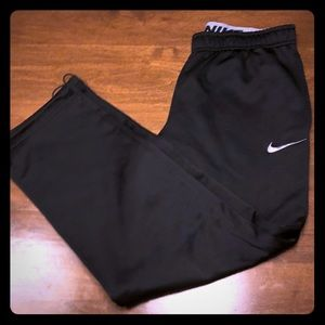 Nike 🏀Excellent Condition🏀  Therma-Fit Sweats